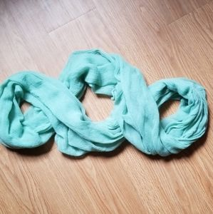 Nicole Miller mint green infinity scarf